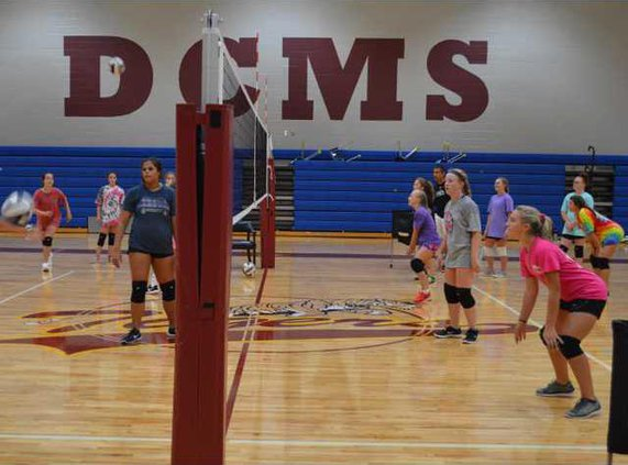 S-Middle school volleyball camp pic 1