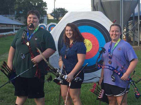 S-Archery team pic1