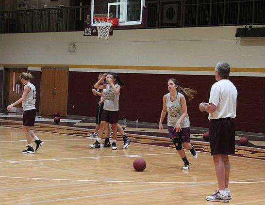 Girls Summer Basketball pic 1