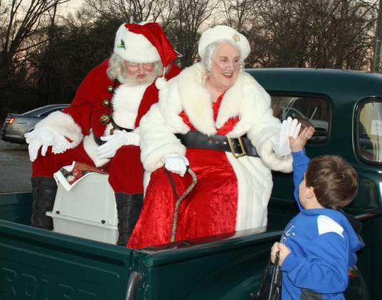 A-Christmas Parade pic1