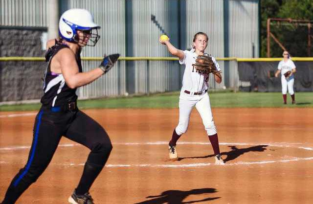 S-DCHS softball pic 1
