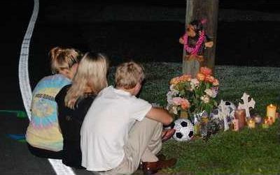 9D0K Teens mourn RUNS LARGE pic