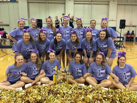 S-Cheerleaders attend camp pic