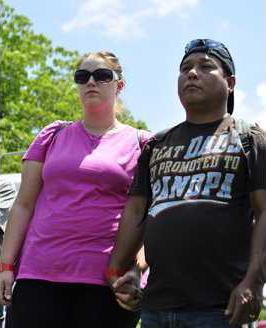5DUV 06 18 14 Bou Bou parents at Rally