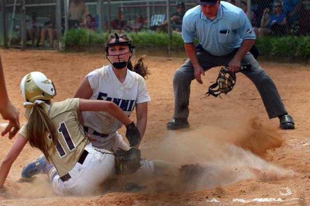 DCHS Softball pic