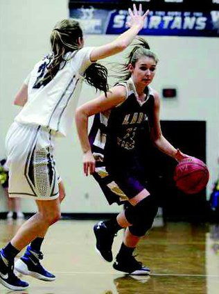 Lady Tigers basketball pic1