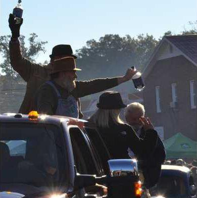GEFQ 4. Dwight Bearden  Cheryl Wood  Gordon Pirkle and other moonshiners are part of Saturday s parade