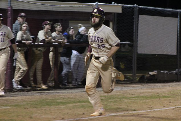 DCHS baseball 04-10