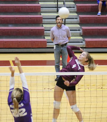 S-Volleyball pic 1.JPG