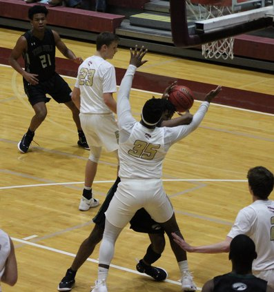 S-Boys basketball pic 4.JPG