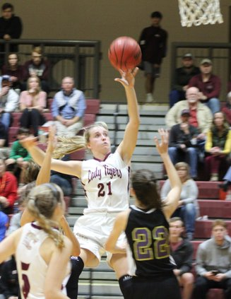 S-Girls basketball pic 5.JPG