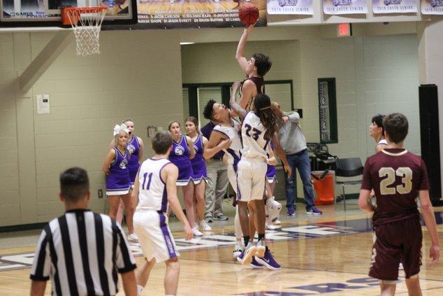 S-Boys basketball pic 1.JPG