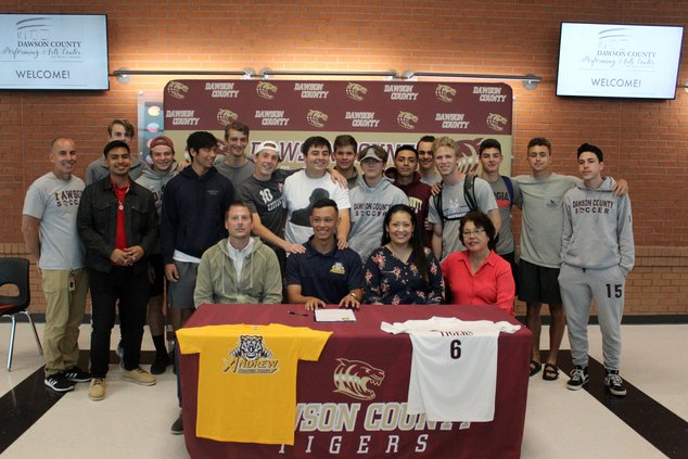 S-Rosales signing pic 1.JPG