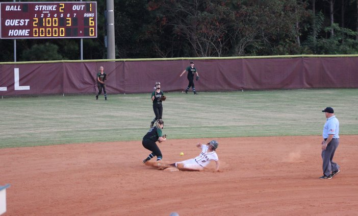 S-Softball pic 2.JPG