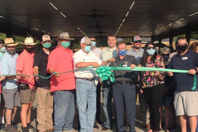 Farmers Market ribbon cutting 1