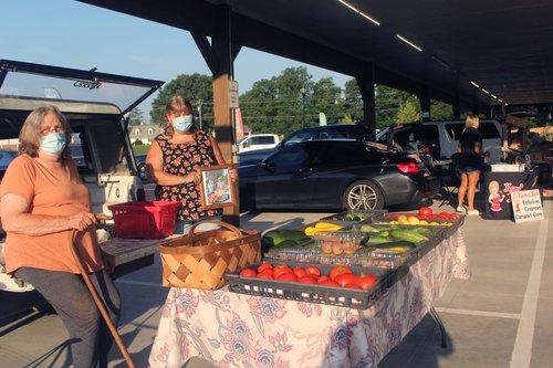Farmers Market ribbon cutting 3