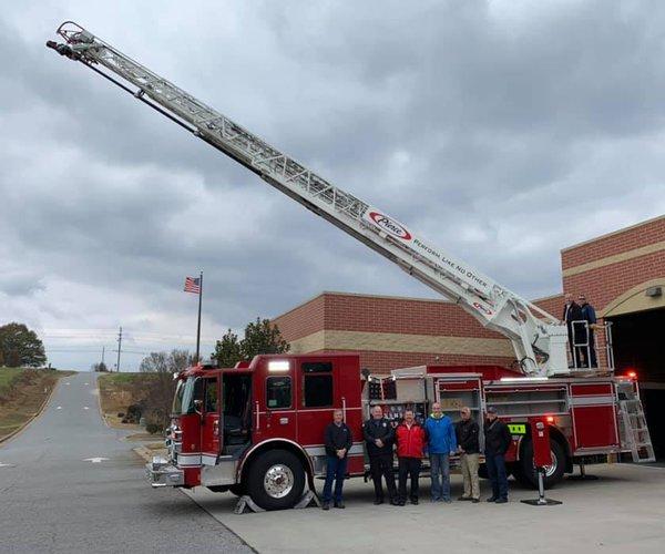 Dawson County Ladder truck 1
