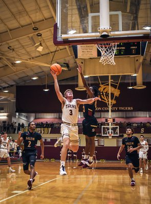 26 Basketball (4 of 14).jpg